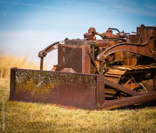Aluminium Trekker Rusty Old Bulldozer