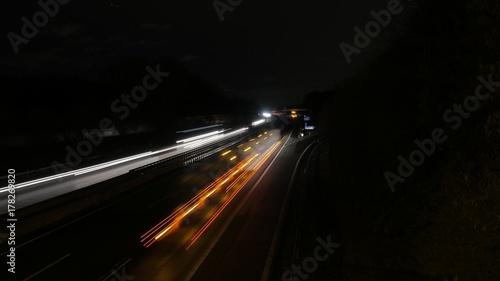 Fotobehang Nacht snelweg die Langeautobahn