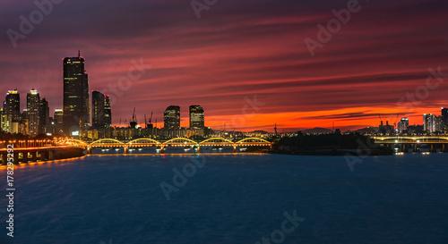 Fotobehang Seoel City skyline at the Han River in downtown Seoul at night South Korea