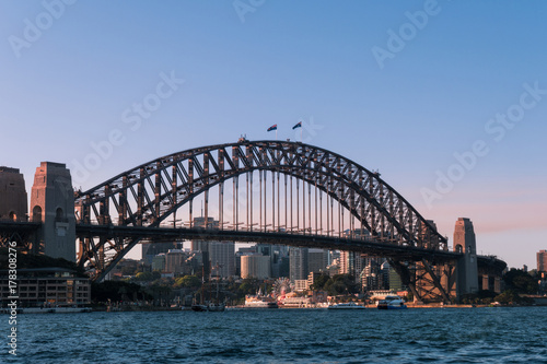 Poster Sydney Sydney Harbour Bridge with clear blue sky.