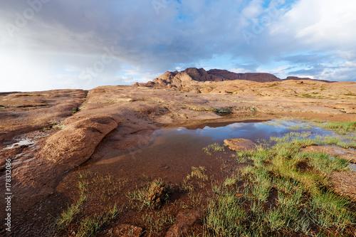Papiers peints Saumon Views of Mount Bektau Ata. Bektau Ata - a mountainous area in the middle of the Kazakhstan steppe, within a radius of about 5-7 km.