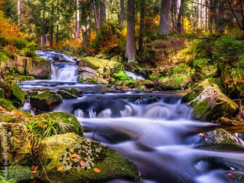 Bodewasserfälle im Herbst - 178342261