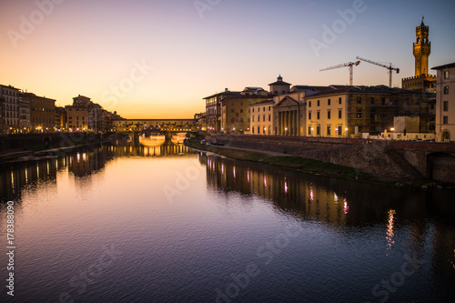 Papiers peints Florence Florence, Italy - October, 2017. Ponte Vecchio bridge in Florence, Italy. Arno River at night. Tuscany. Travel destination.