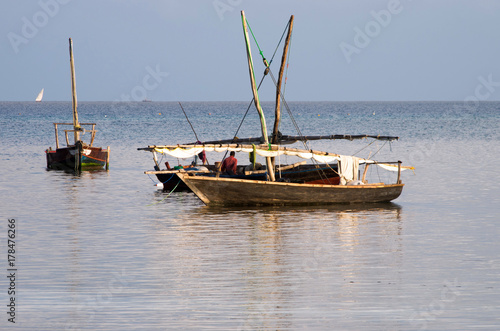 Foto op Plexiglas Zanzibar Traditional wooden sailing boats in Africa.