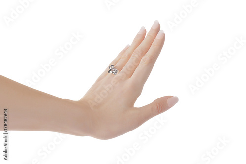 © PixlMakr - Fotolia.com Woman's left hand with platin wedding ring