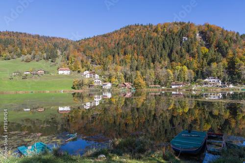 Foto op Plexiglas Pistache Le lac de Biaufond