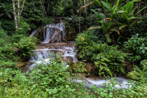 pong nam dang waterfall