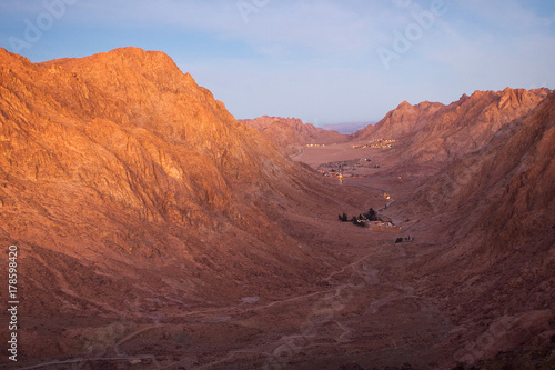 In de dag Oranje eclat Monastery of St. Catherine Sinai Mount Moses