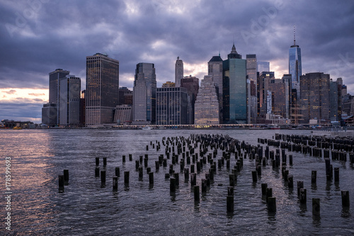 Foto op Aluminium New York The New York City skyline seen from across the East River on the Brooklyn Waterfront