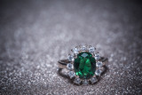 Golden Ring with Emerald Retro