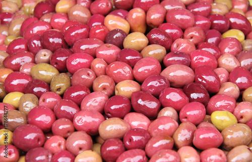 Aluminium Marokko Red pickled olives on a traditional Moroccan market, Rabat, Morocco