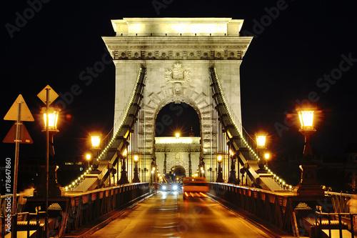 Papiers peints Budapest Chain Bridge night view, Budapest, Hungary