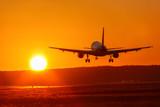 Flugzeug Flughafen Luftfahrt Sonne Sonnenuntergang Ferien Urlaub Reise reisen