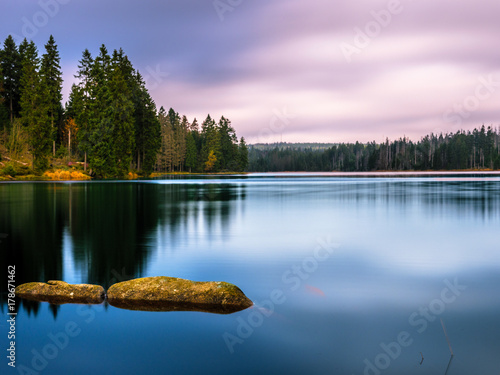 Foto op Plexiglas Bergen Bergsee bei Sonnenuntergang - Oderteich Harz