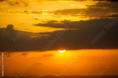 Papiers peints Orange eclat Sunset and Clouds