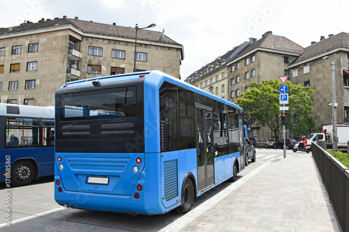 Foto op Aluminium Boedapest Blue buses on the streets of Budapest, Hungary
