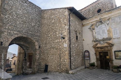 Vicoli in uno dei borghi più belli d'Italia - Santo Stefano di Sessanio (Aq)