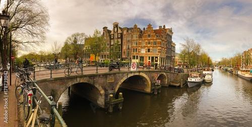Fotobehang Amsterdam Canal à Amsterdam, Hollande aux Pays-Bas
