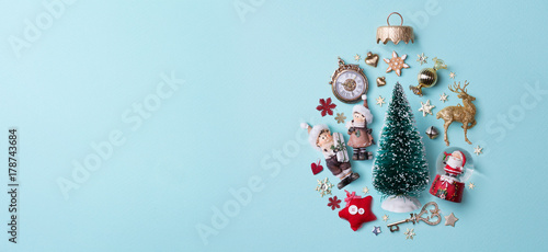 Papiers peints Kiev Christmas holidays composition on papaer background; Christmas tree decoration and copy space for your text