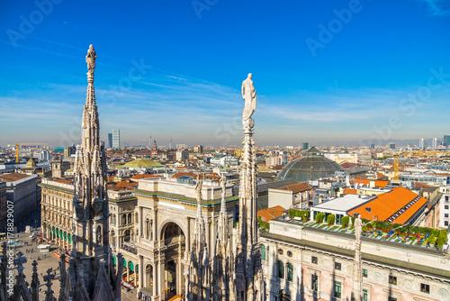 In de dag Milan Skyline of Milan, Italy.