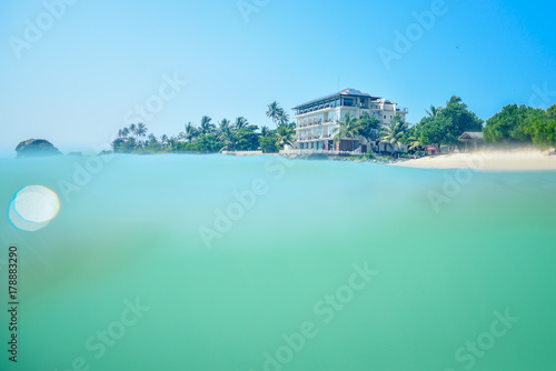 Foto op Canvas Groene koraal beautiful seascape, tropical beach, Sri Lanka