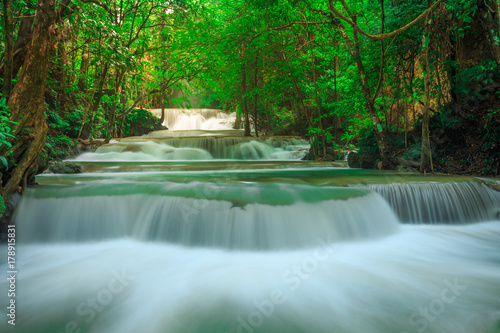 Huay Mae Kamin Waterfall in Khuean Srinagarindra National Park. The beautiful and famous waterfall in deep forest, Kanchanaburi province, Thailand © PRASERT