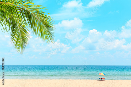 Fotobehang Tropical strand Ka-ron Beach at Phuket , Thailand. White sand beach with beach umbrella. Summer, Travel, Vacation and Holiday concept.