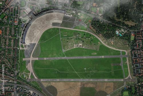 Foto op Plexiglas Berlijn Luftbild Berlin ehemaliger Flughafen Tempelhof