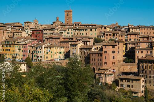 Deurstickers Toscane Veduta panoramica della città medievale di Siena in Toscana, Italia