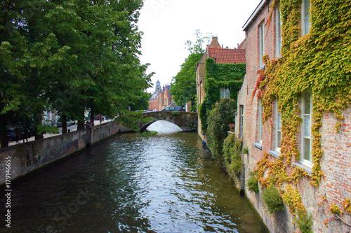 Poster Brugge canal dans la ville de bruges
