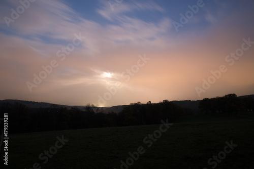 Fotobehang Zalm Mondschein abends am Horizont
