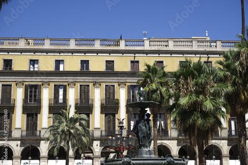 Aluminium Barcelona Barcelona, Spain Placa Reial - Royal Plaza. Day view of square with crowd, close to La Rampla avenue, in the Barri Gotic area.