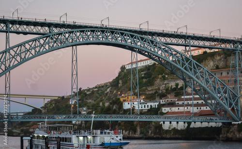 Puente Luis I sobre el Duero, Oporto, Portugal