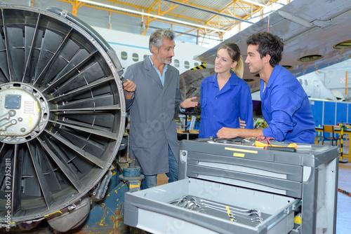 airplane maintenance engineers