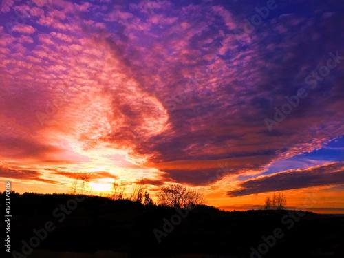 Fotobehang Snoeien sunset