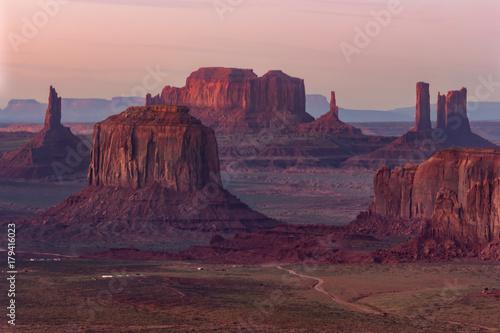 Foto op Plexiglas Lichtroze Sunset in Hunts Mesa navajo tribal majesty place near Monument Valley, Arizona, USA