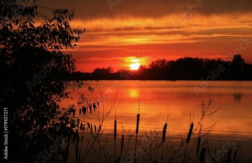 In de dag Oranje eclat Sunset over Water