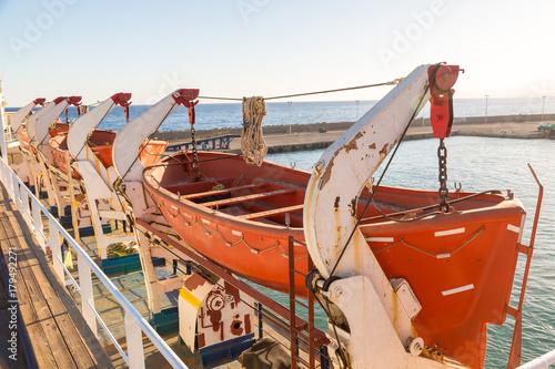 Keuken foto achterwand Schip Rescue boat on a passenger ship
