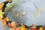Wedding rings - 179516448