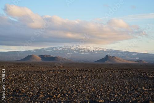 Foto op Plexiglas Blauwe hemel vulkan zone