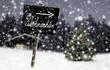Schild Weihnachten im Winterwald