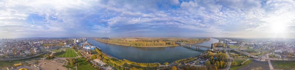 Der Rhein bei Worms