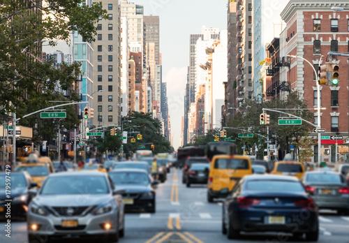 Foto Murales Traffic along 3rd Avenue in New York City