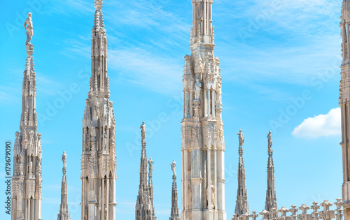 In de dag Milan Statues on the roof of famous Milan Cathedral Duomo