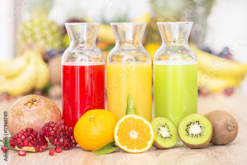 Papiers peints Jus, Sirop Fresh healty juice from fruits