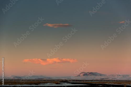 Papiers peints Saumon Sonnenuntergang auf Island im Winter