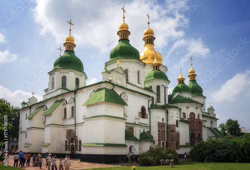 Foto op Plexiglas Kiev Saint Sophia Cathedral in Kyiv is an outstanding architectural monument of Kievan Rus. The cathedral is one of the city's best known landmarks and the first heritage site in Ukraine