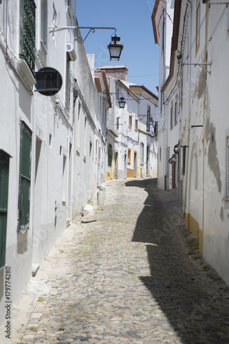 Poster Smal steegje Evora, Portugal.