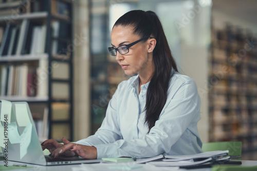 Sticker Businesswoman at work
