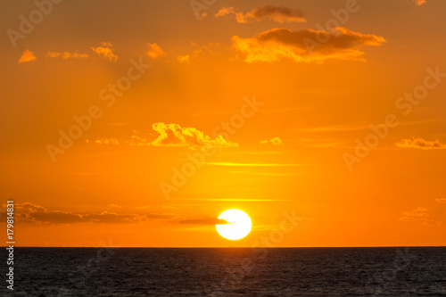 Papiers peints Orange eclat Sonnenuntergang am Meer
